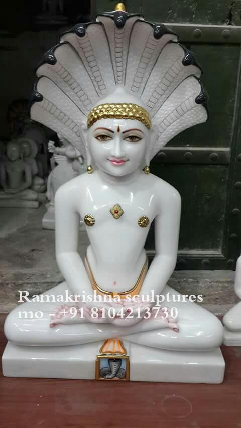 Paeshavnath marble murti